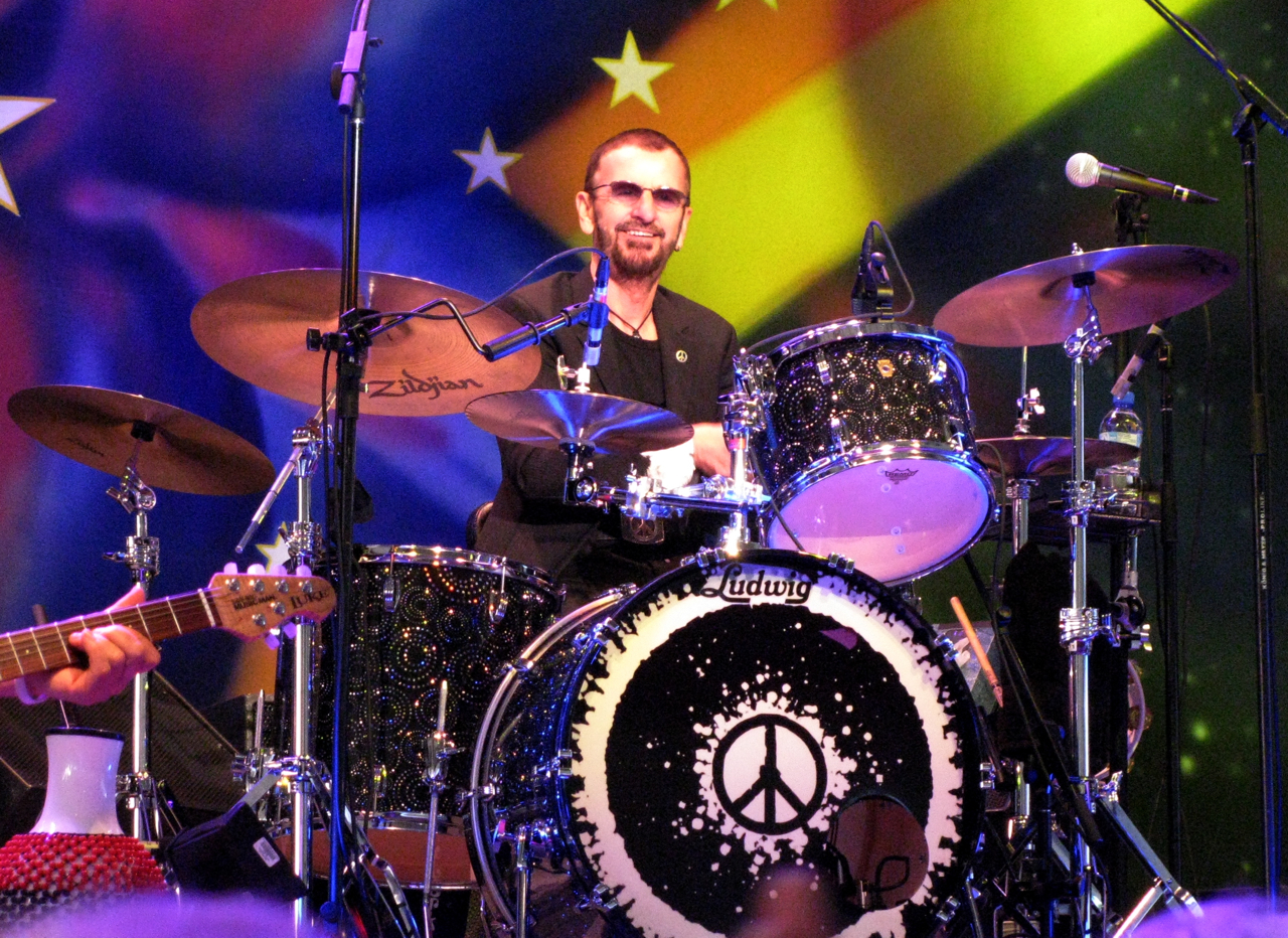 peace and love  ringo starr and his all star band come to